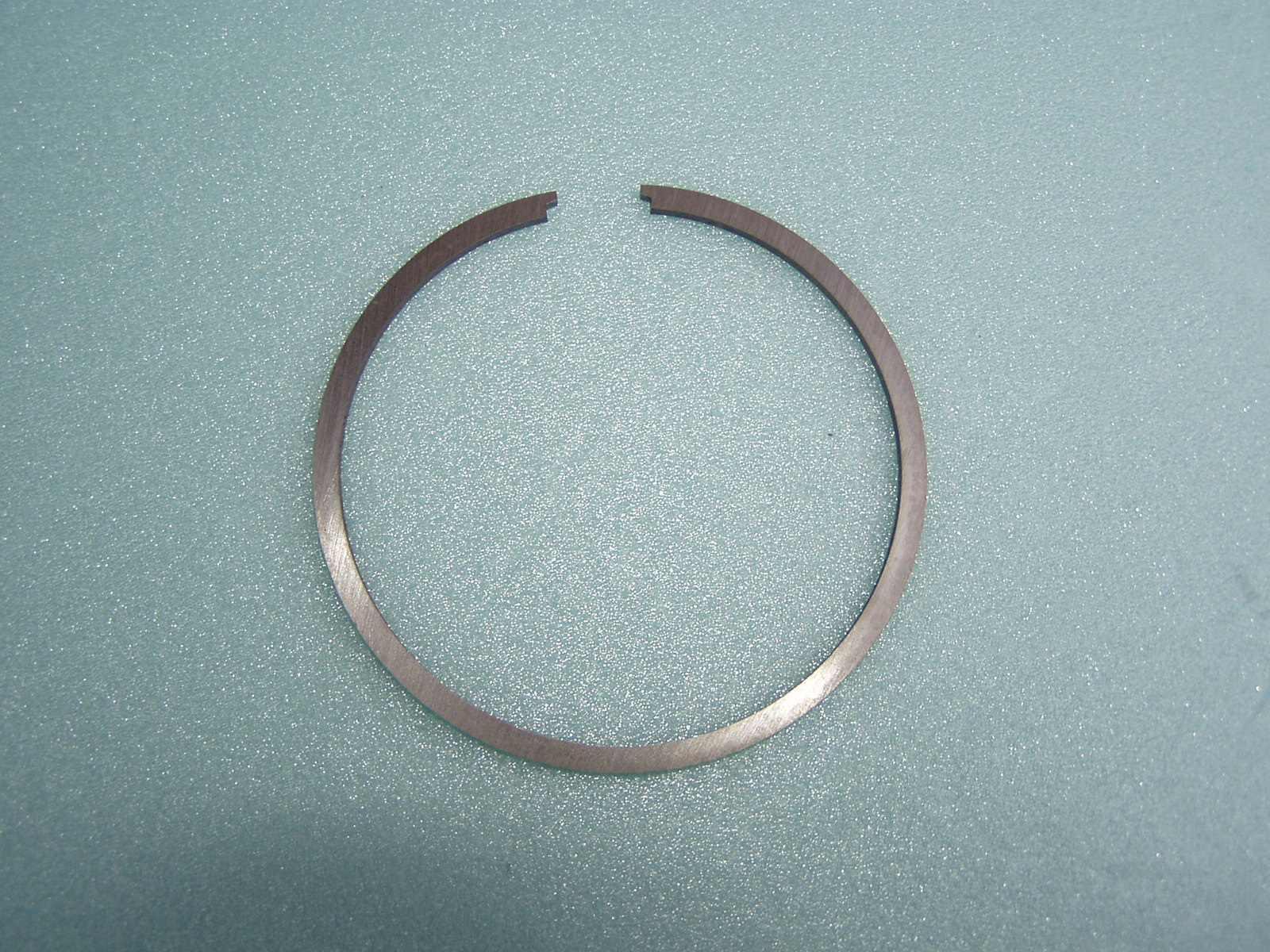 Pístní kroužek original MF 70