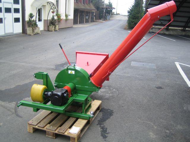 Drtič větví PIRBA za traktor + vlečka-sleva 5 %