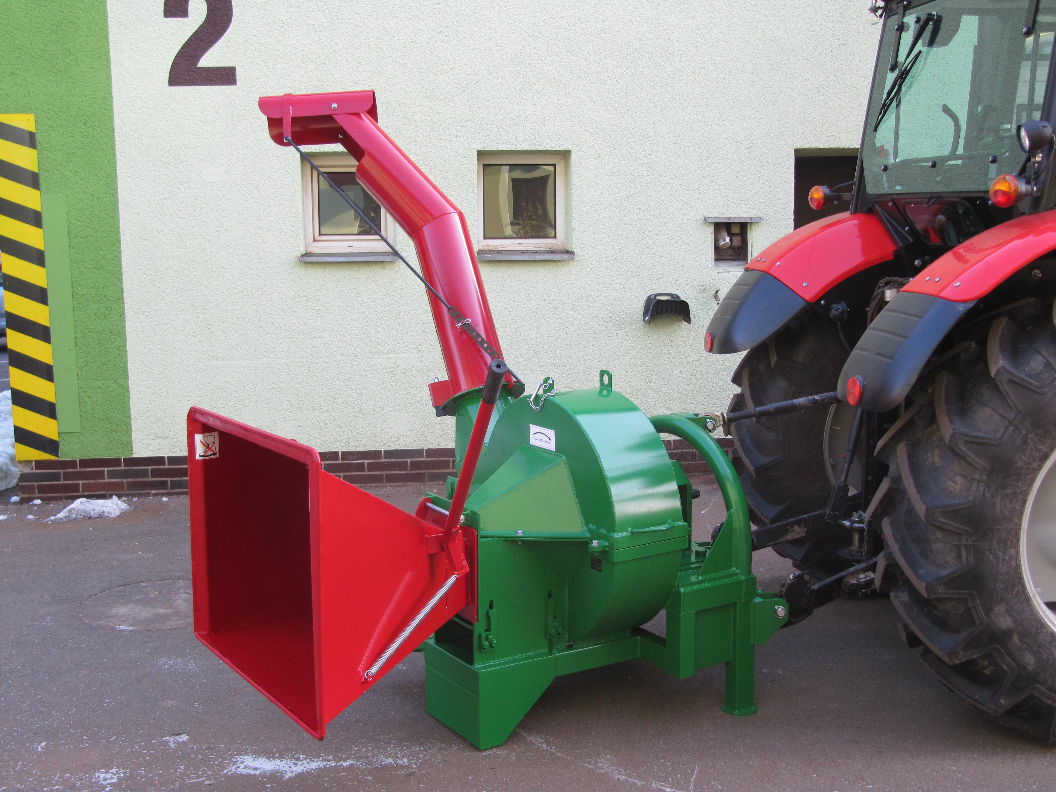 Drtič větví BARAKUDAza traktor +kardan a doprava zdarma